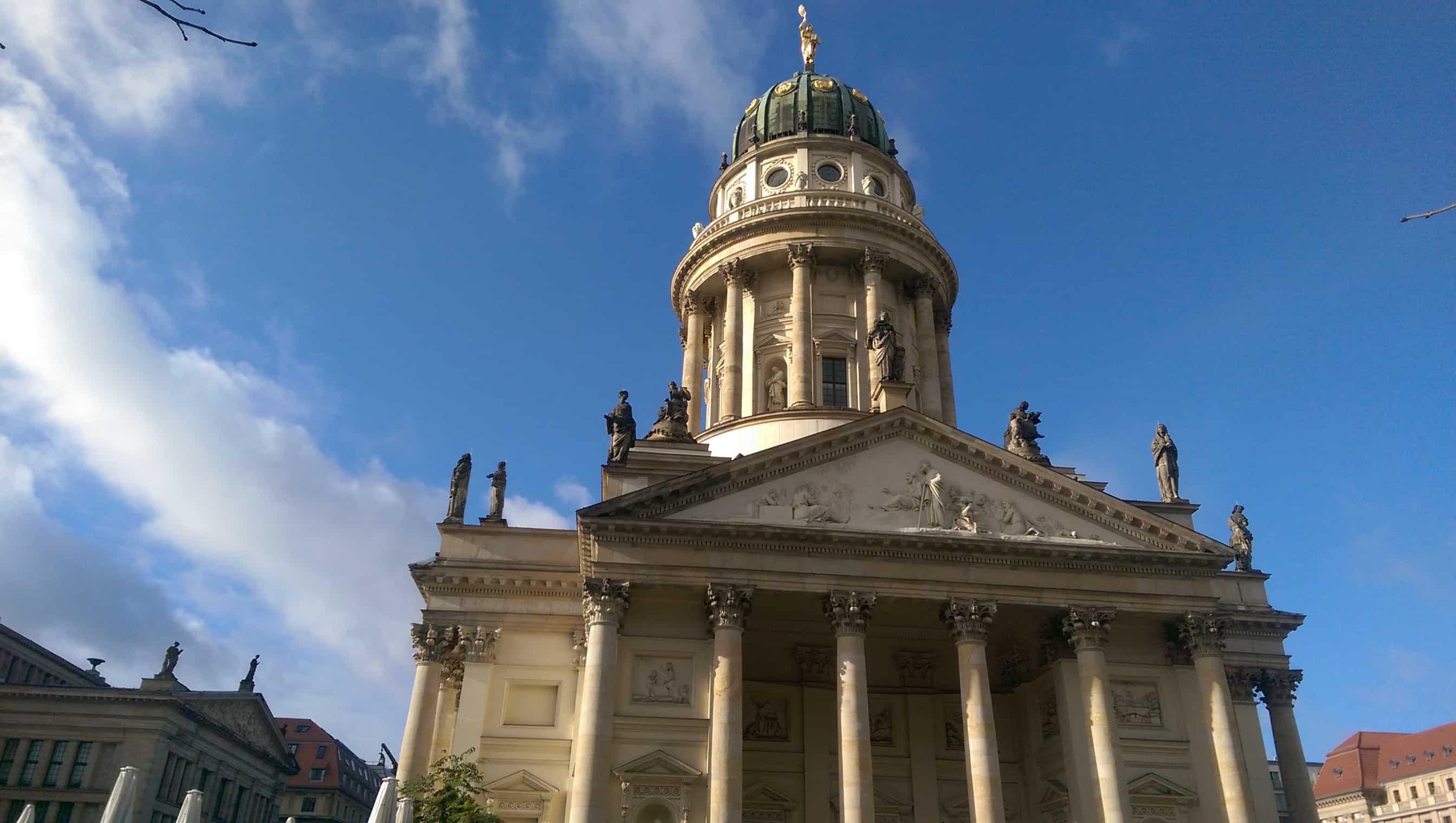 Kerk op Gendarmenmarkt in Berlijn