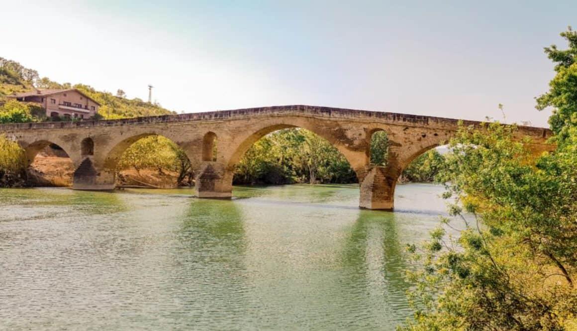 Brug in Puenta la Reina - Camino Frances - HappyHikers