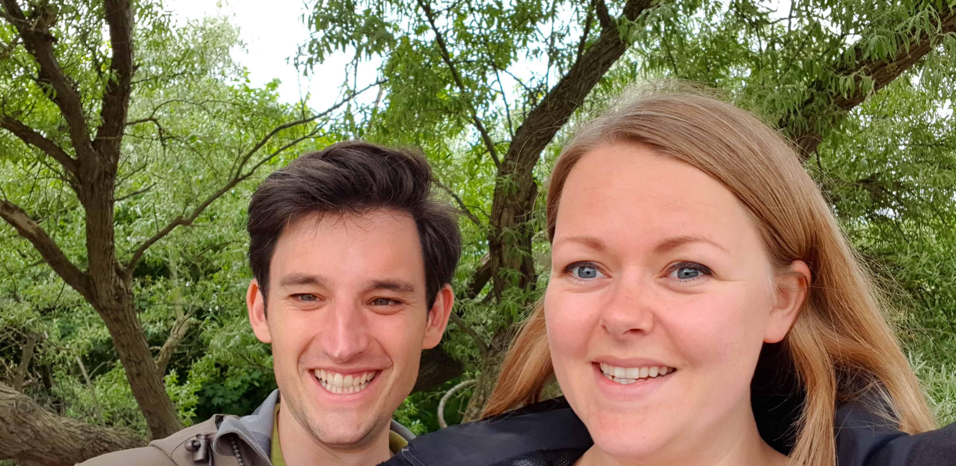 Happy faces toen we de geocachen hadden gevonden! - FinanceMonkey