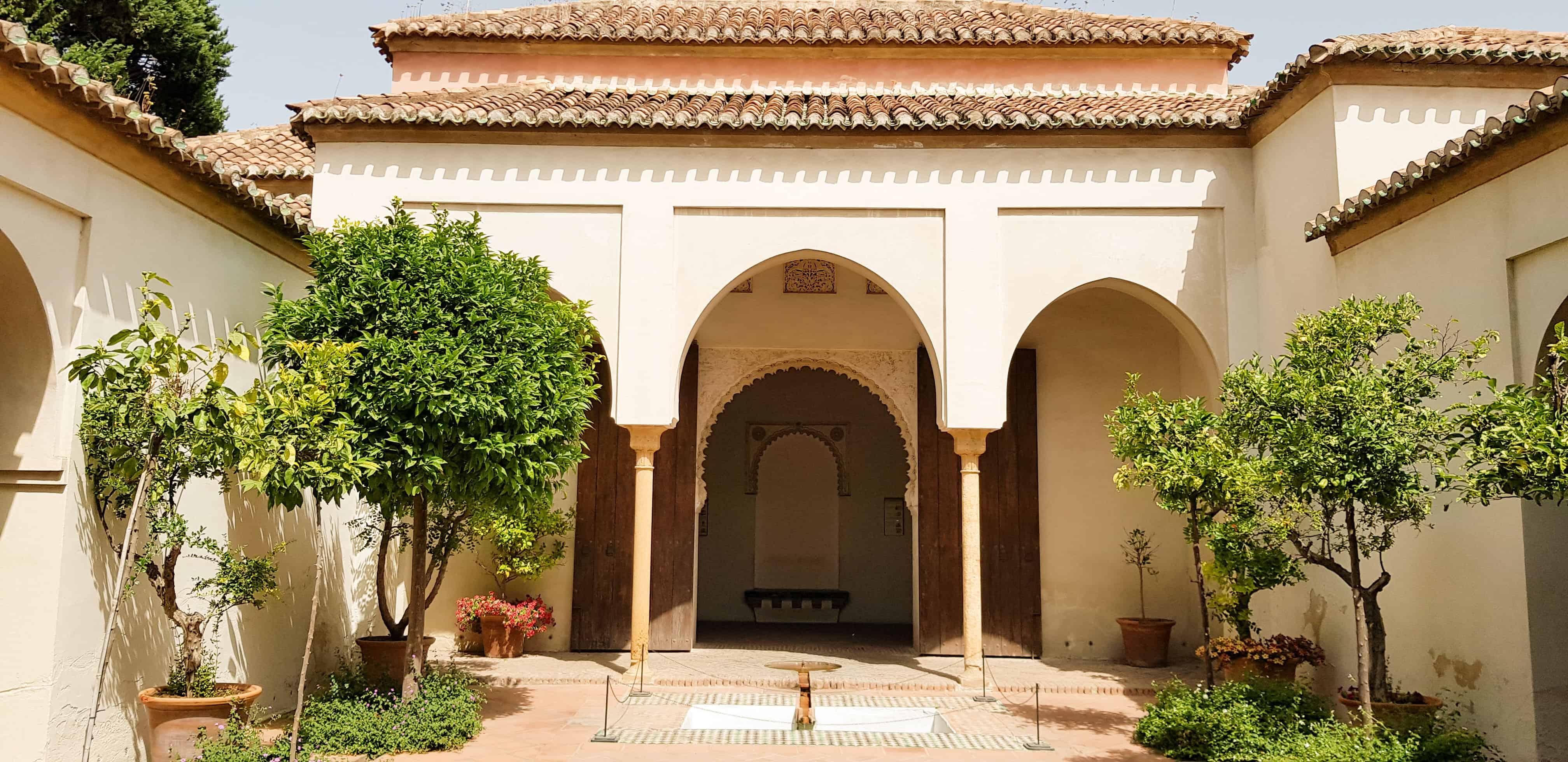Paleis Alcazaba - HappyHikers
