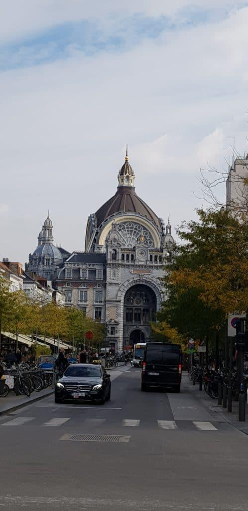 Antwerpen Centraal Station - HappyHikers