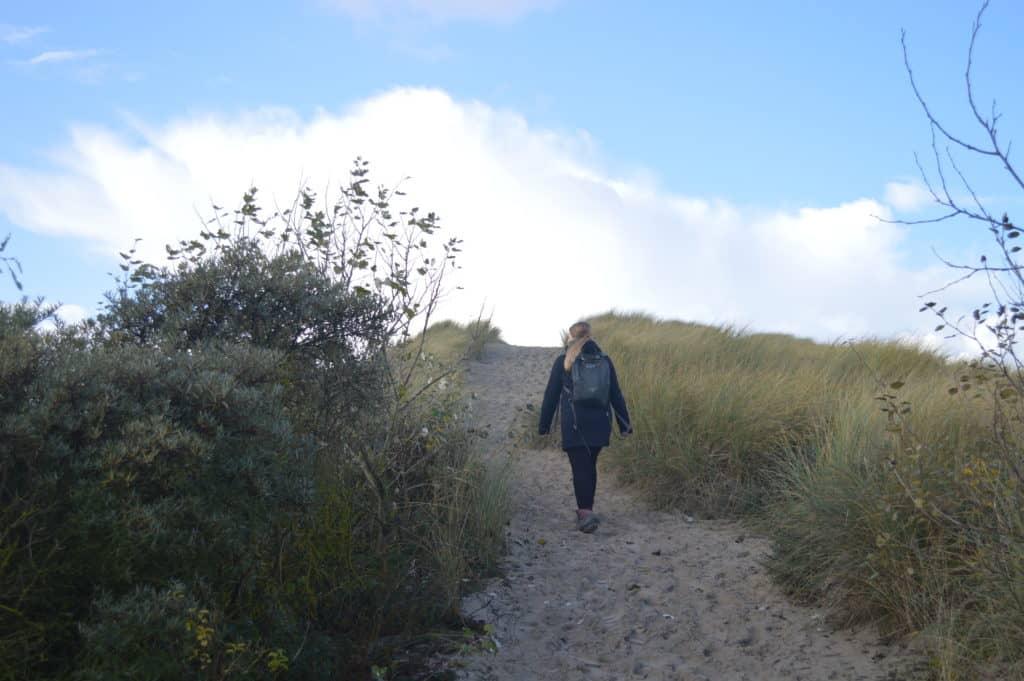 Wandelen door de duinen - Hollumerbos - HappyHikers
