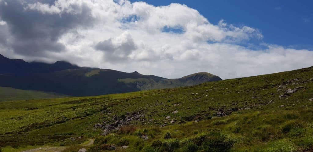 Donkere wolken boven Mount Brandon - Dingleway - HappyHikers