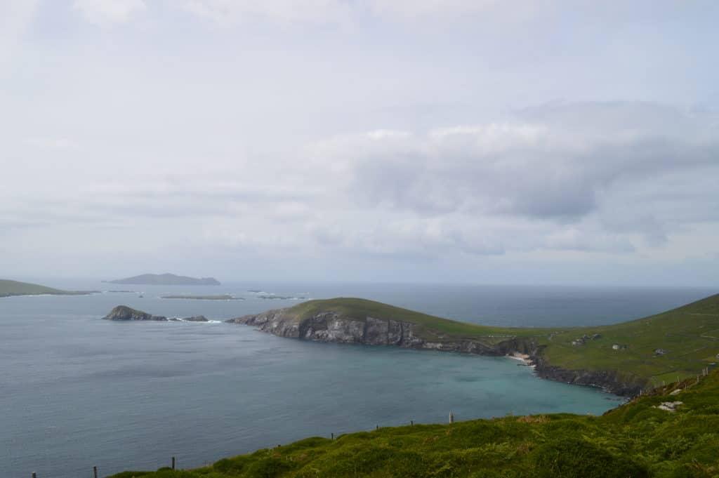 HappyHikers - uitzicht op de wilde Atlantische kust
