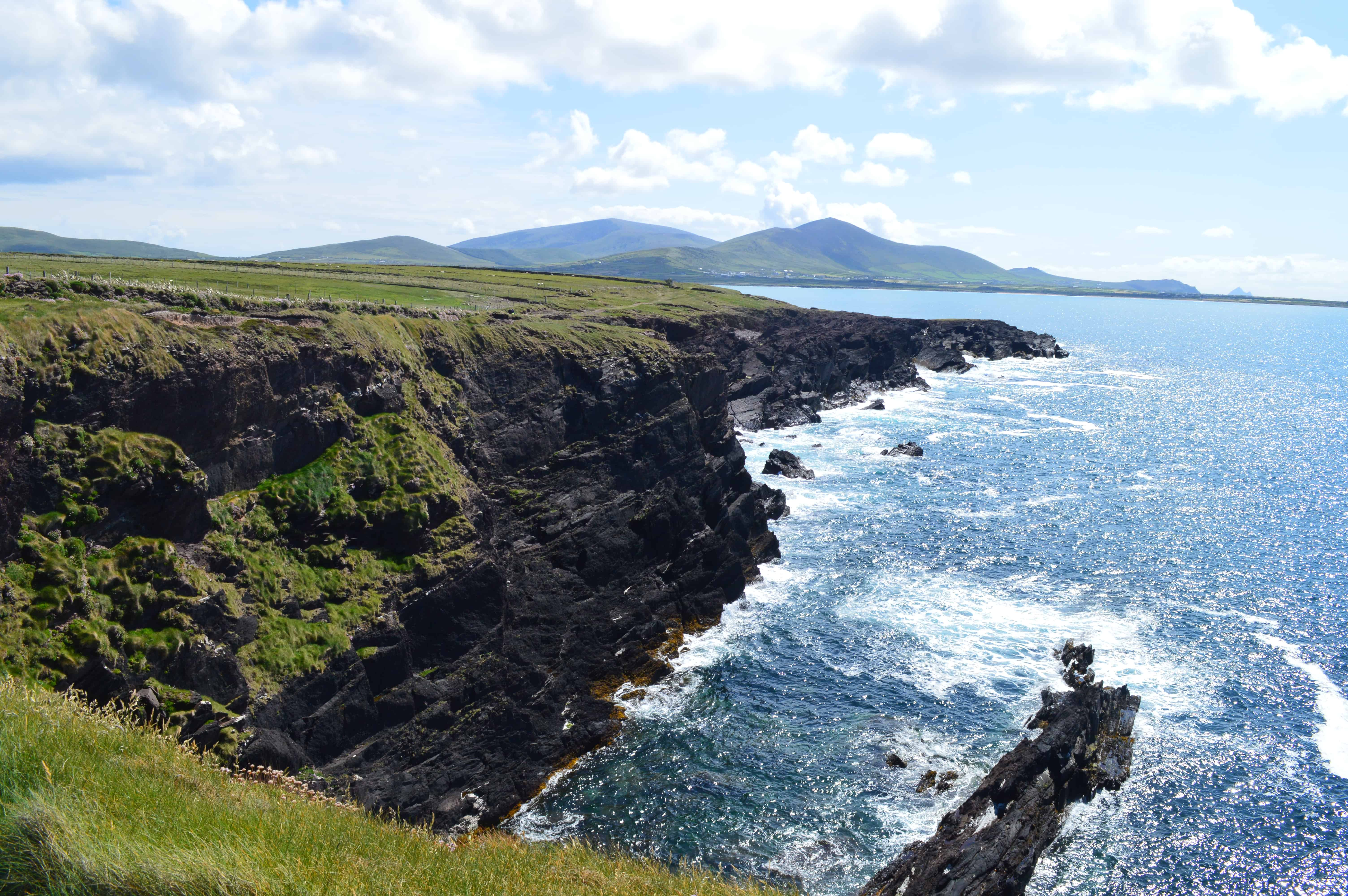 Kliffen en zon - De Dingleway - HappyHikers