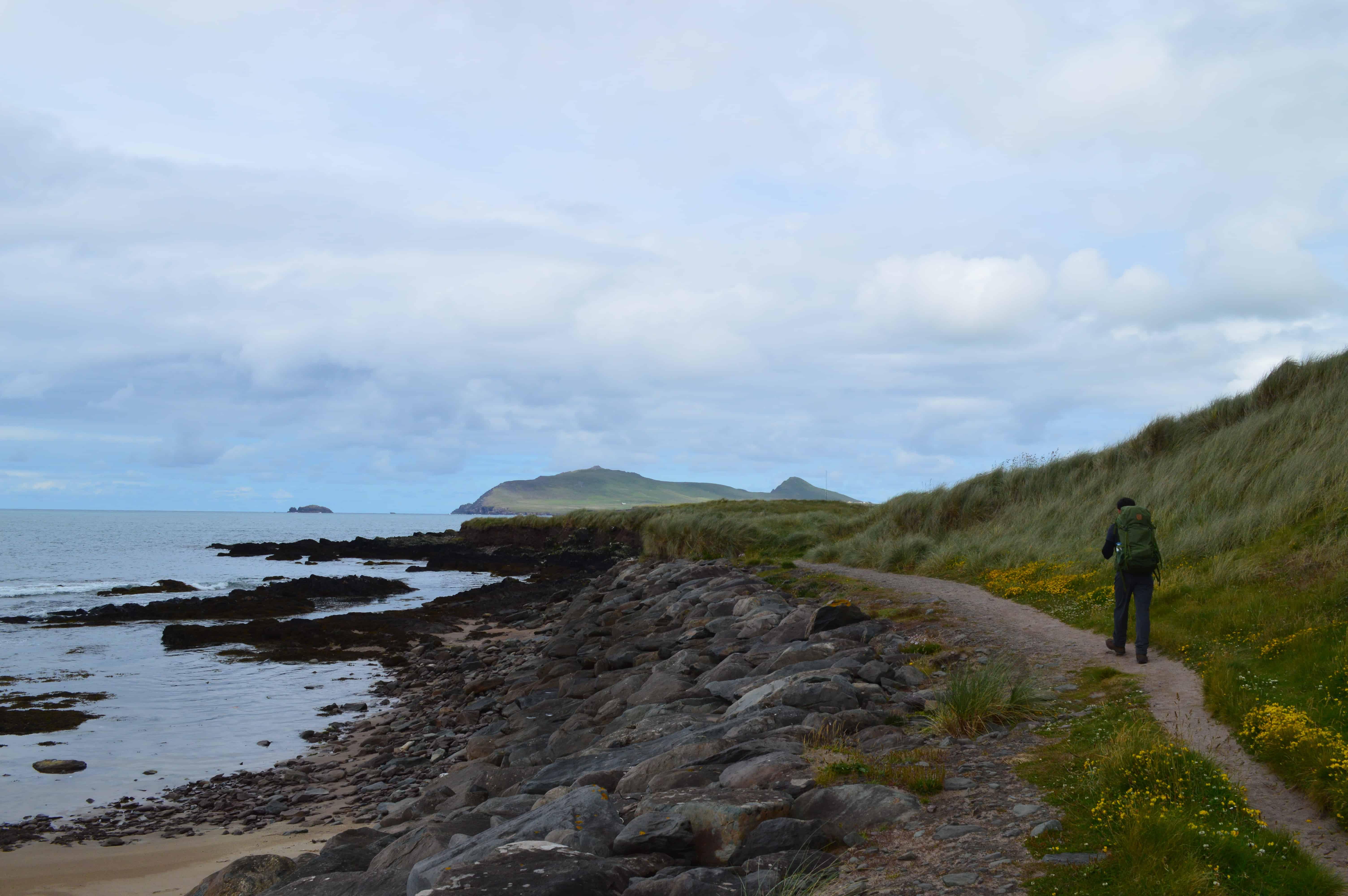 Langs de kust wandelen - De Dingleway - HappyHikers