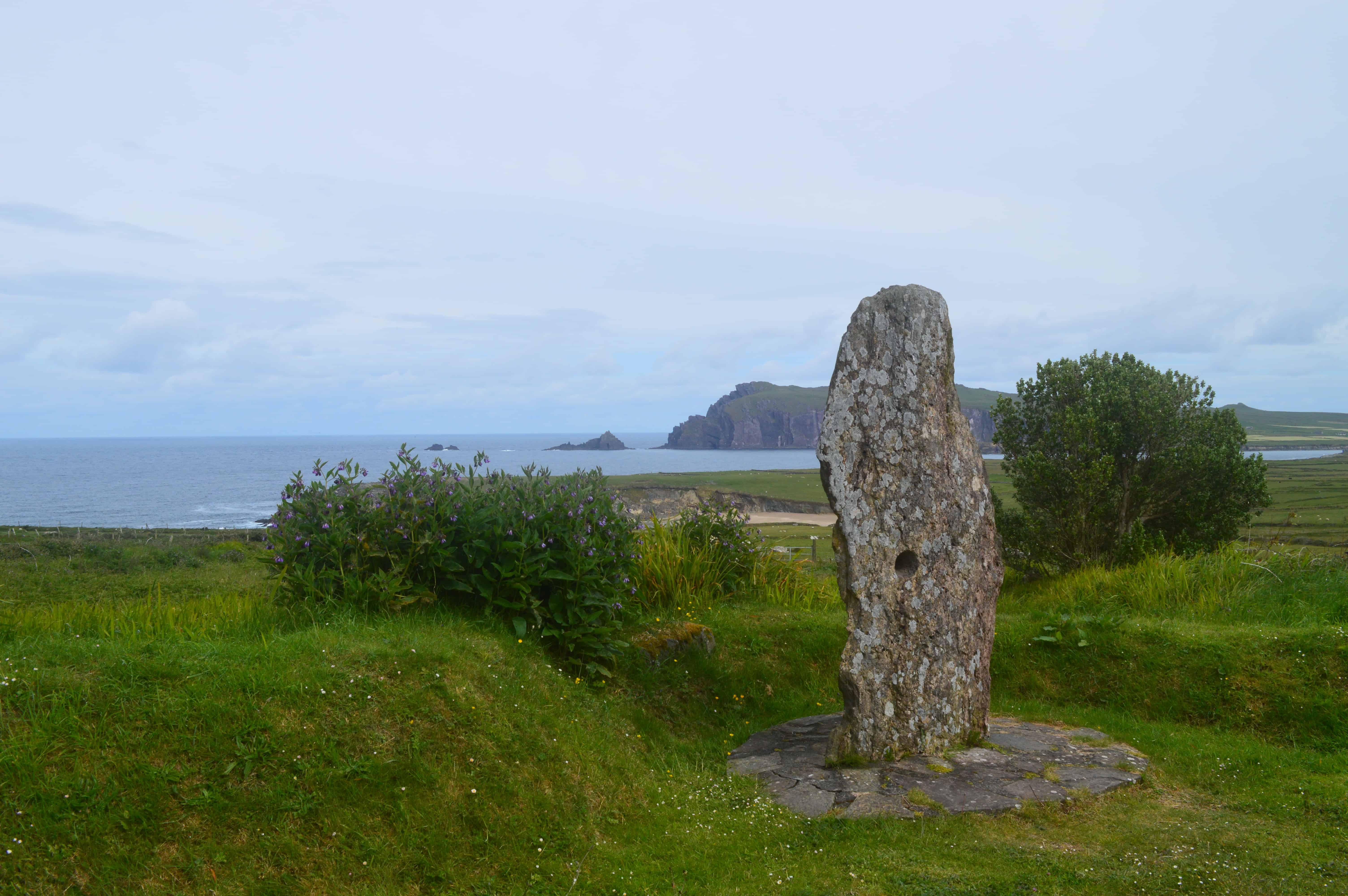 Standing stone - De Dingleway - HappyHikers