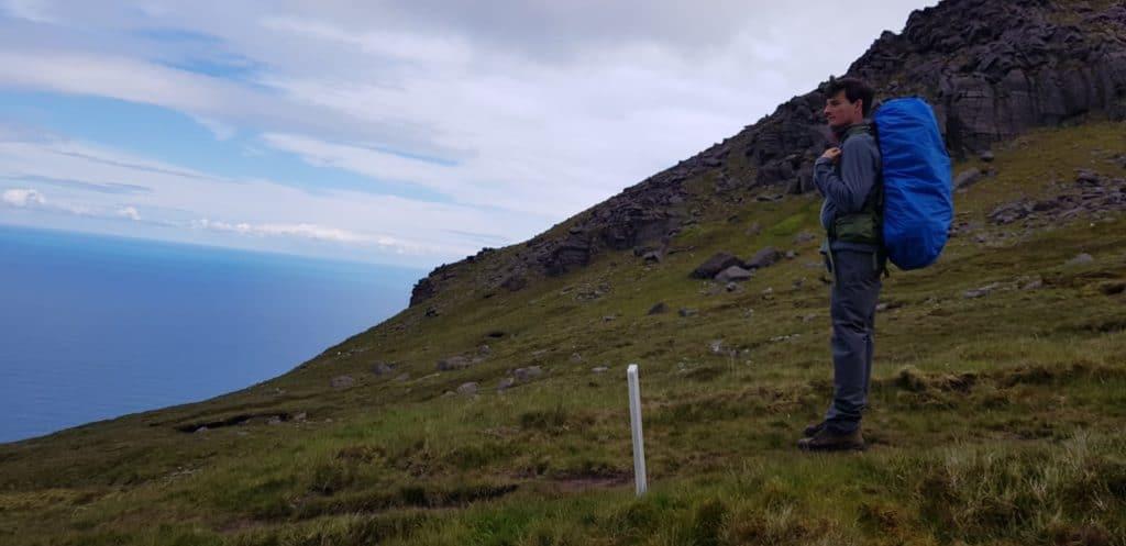 Uitzicht op zee vanaf Mount Brandon - Dingleway - HappyHikers