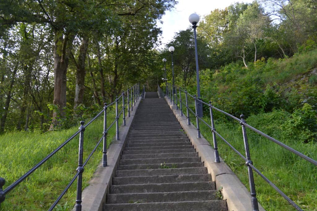 Klimmen naar Skanses Kronan - Stadwandeling Göteborg - HappyHikers