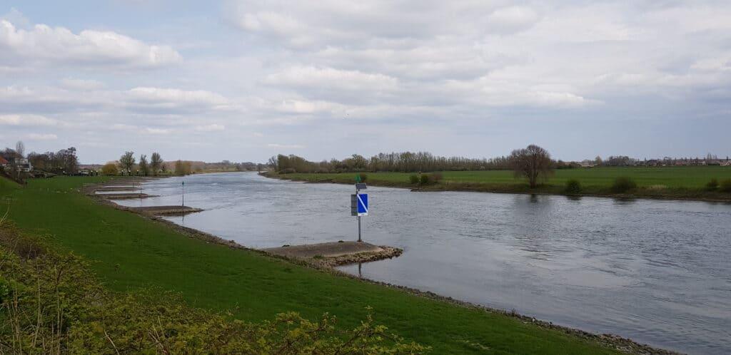 HappyHikers - Hanzestedenpad etappe 1 - Doesburg naar Brummen - Uitzicht over de IJssel